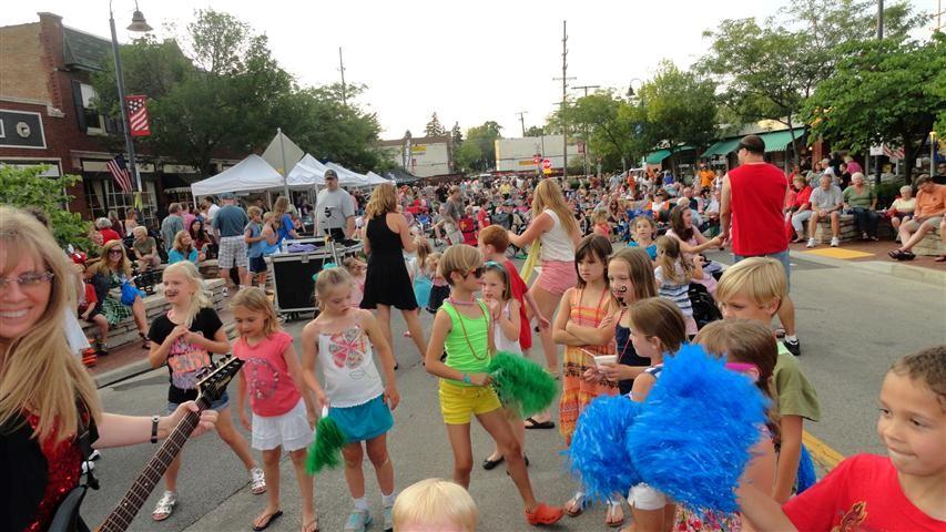 Clarendon Hills Dancin' in the Street